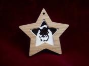 Hvězda s betlémem - dřevěná ozdoba (8 cm)